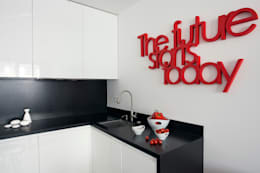 Minimalistyczny Apartament 43m2 Warszawa: styl , w kategorii Kuchnia zaprojektowany przez The Vibe