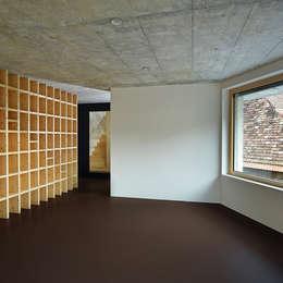 Translocal Architecture의  서재 & 사무실