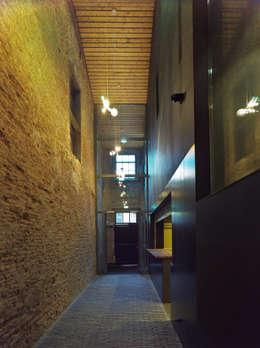 Ingang (Foto: Petra Appelhof):  Bars & clubs door Ector Hoogstad Architecten