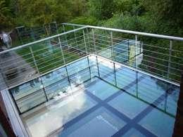 balkon aus glas. Black Bedroom Furniture Sets. Home Design Ideas