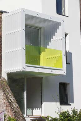 Construction: Maisons de style de style Moderne par sebastien.mouffe