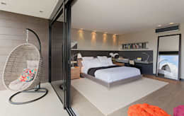 modern Bedroom by LEDS Arquitetura