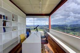 Escritório: Escritórios  por Denise Macedo Arquitetos Associados