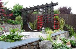 Taman by Lush Garden Design