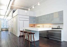 Кухни в . Автор – Slade Architecture