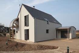 Façade nord & entrée maison: Maisons de style de style Moderne par Patrice Bideau a.typique
