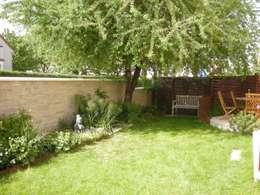 Un jardin de vivaces: Jardin de style de style Moderne par Scape