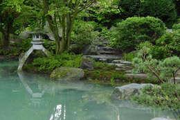 Altes im neuen Gewand: asiatischer Garten von Kokeniwa Japanische Gartengestaltung