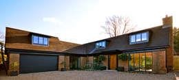 Projekty, nowoczesne Domy zaprojektowane przez Zodiac Design