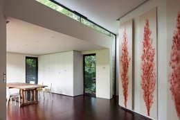 moderne Woonkamer door Fraser Brown MacKenna Architects