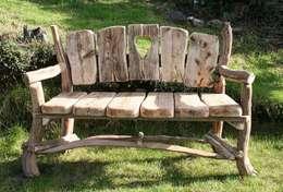 Garden  تنفيذ Julia's Driftwood