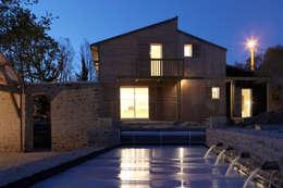Vue Nuit: Maisons de style de style Moderne par Patrice Bideau a.typique
