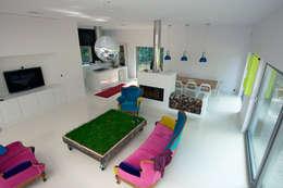 Dom pod Poznaniem: styl , w kategorii Salon zaprojektowany przez Neostudio Architekci