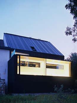 maison M&J, Tervuren: Maisons de style de style Minimaliste par bruno vanbesien architects