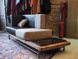 modern Living room by STUDIO 45 4 DI