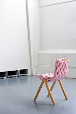 Knit Net - from the CHAIR WEAR Collection: moderne Woonkamer door Bernotat&Co