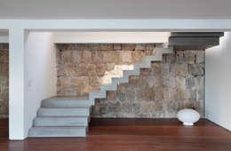 Коридор и прихожая в . Автор – House in Rio