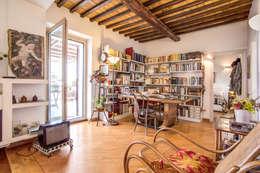 Salas de estilo moderno por MOB ARCHITECTS
