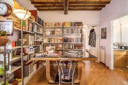 Estudios y despachos de estilo moderno por MOB ARCHITECTS