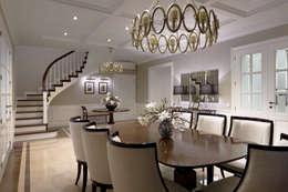 Дом в легкой классике: Столовые комнаты в . Автор – MARTINarchitects