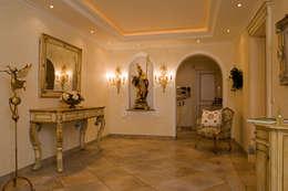 Corridor & hallway by Beinder Schreinerei & Wohndesign GmbH