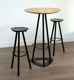 Table haute / mange debout POP BOIS signée MIIING: Cuisine de style de style Moderne par KSL LIVING