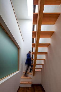 SONGCHU MAPLE HOUSE : IDEA5   ARCHITECTS의  복도 & 현관