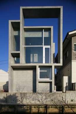 Casas de estilo moderno por 白根博紀建築設計事務所