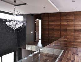 CASA UD: Paredes de estilo  por citylab Laboratorio de Arquitectura