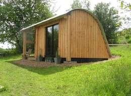 Projekty,  Domowe biuro i gabinet zaprojektowane przez Morphut Ltd