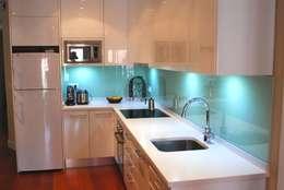 Cozinhas modernas por Traber Obras