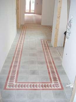 الممر والمدخل تنفيذ Giuseppe Tucci Interior Designer