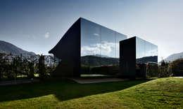 Projekty, minimalistyczne Domy zaprojektowane przez Peter Pichler Architecture