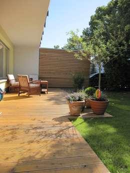 Terrasse: moderner Garten von ARCHITEKTURBÜRO  SEIPEL