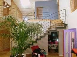 Rénovation Maison D: Salon de style de style Classique par FARACHE CLAUDE