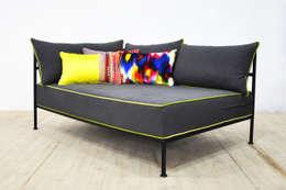 Livings de estilo moderno por Name Design Studio