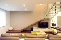 Corridor, hallway by Studio  Vesce Architettura