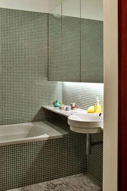 حمام تنفيذ Tiago Patricio Rodrigues, Arquitectura e Interiores