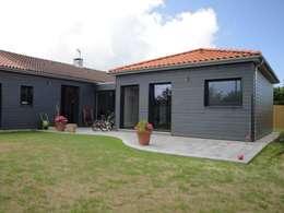 Extension: Maisons de style de style eclectique par La Fabrique d'Architecture