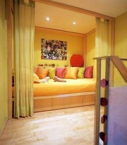 MCM Arch의  침실