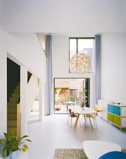 modern Living room by Finbarr McComb Architect