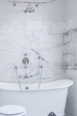 moderne Badkamer door deDraft Ltd