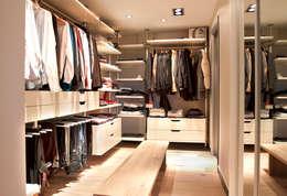 As Tasarım - Mimarlık – SAHİLEVLERİ PROJE: modern tarz Giyinme Odası