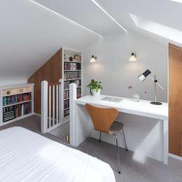 Спальни в . Автор – APE Architecture & Design Ltd.