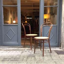 Salle à manger de style de style Classique par La Mueblerí