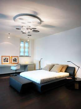 Habitaciones de estilo moderno por Studio Marco Piva