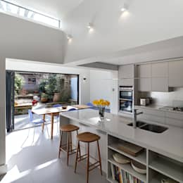 APE Architecture & Design Ltd.의  주방
