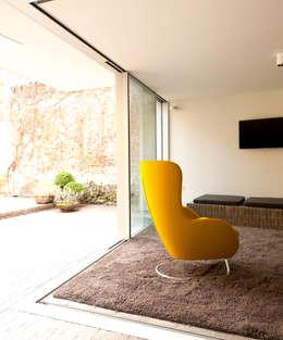 appartements DKJ: Jardin d'hiver de style  par P8 architecten