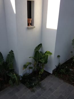 VILLA EMERAUDE: Maisons de style de style Moderne par emmanuel bobo architecte dplg