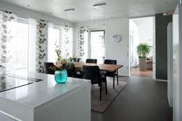 Salas de jantar modernas por Architekturbüro J. + J. Viethen